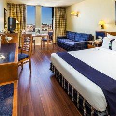 Отель Holiday Inn Lisbon 4* Стандартный номер с различными типами кроватей фото 3