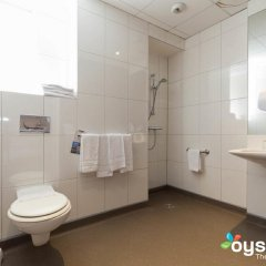Отель Kyriad Nice Gare Франция, Ницца - 13 отзывов об отеле, цены и фото номеров - забронировать отель Kyriad Nice Gare онлайн ванная фото 2