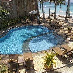 Отель Microtel by Wyndham Boracay Филиппины, остров Боракай - 1 отзыв об отеле, цены и фото номеров - забронировать отель Microtel by Wyndham Boracay онлайн бассейн фото 2