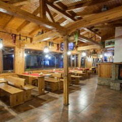 Отель Sinia Vir Eco Residence Болгария, Сливен - отзывы, цены и фото номеров - забронировать отель Sinia Vir Eco Residence онлайн интерьер отеля