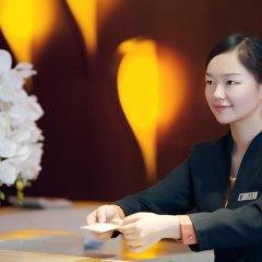 Отель Huaqiang Plaza Hotel Shenzhen Китай, Шэньчжэнь - 1 отзыв об отеле, цены и фото номеров - забронировать отель Huaqiang Plaza Hotel Shenzhen онлайн интерьер отеля фото 2