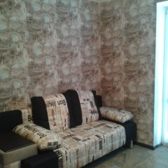 Гостиница Apartamenti na Admirala Kryuysa комната для гостей