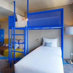 Отель ibis Styles Bangkok Khaosan Viengtai 3* Стандартный семейный номер с разными типами кроватей фото 10