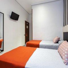 Отель Hostal Castilla I. Стандартный номер с различными типами кроватей фото 7
