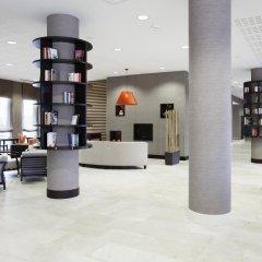 Отель NH Lyon Airport интерьер отеля фото 3