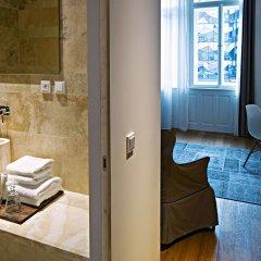 Отель Golden Crown 4* Улучшенный номер с двуспальной кроватью фото 13