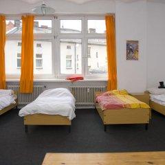Rixpack Hostel Neukölln Кровать в общем номере с двухъярусной кроватью фото 20
