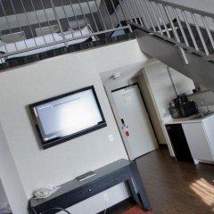 Ramada Plaza Hotel & Suites - West Hollywood в номере