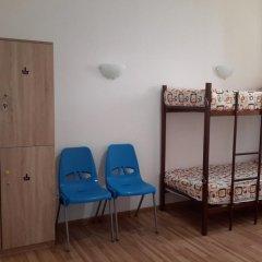 Отель Guest House West Yerevan Кровать в мужском общем номере двухъярусные кровати фото 2