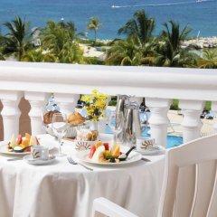 Отель Luxury Bahia Principe Runaway Bay All Inclusive, Adults Only балкон