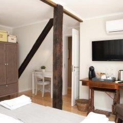 Отель Flores Guest House 4* Номер Комфорт с различными типами кроватей фото 15