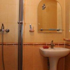 Гостиница Золотые Пески ванная фото 2