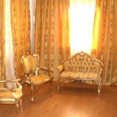 Alex Palace Mini Hotel Лоо комната для гостей