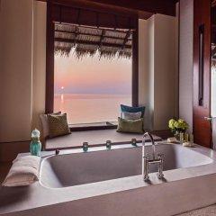 Отель One&Only Reethi Rah 5* Вилла Премиум с различными типами кроватей фото 10