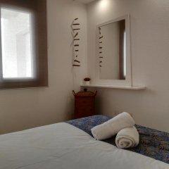 Отель Vista Roses Mar - Apartamento con Piscina Испания, Курорт Росес - отзывы, цены и фото номеров - забронировать отель Vista Roses Mar - Apartamento con Piscina онлайн комната для гостей