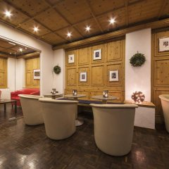 Отель Europa -St. Moritz Швейцария, Санкт-Мориц - отзывы, цены и фото номеров - забронировать отель Europa -St. Moritz онлайн гостиничный бар