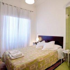 Отель Hostal Besaya Стандартный номер с двуспальной кроватью (общая ванная комната) фото 4