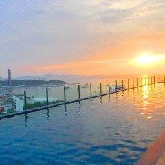 Отель The Base Pattaya by Smart Delight Паттайя приотельная территория