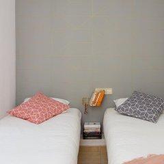 Отель Casa Cosi - Creu Coberta Барселона комната для гостей фото 5