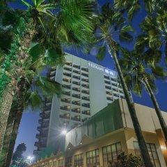 Отель Mersin HiltonSA вид на фасад