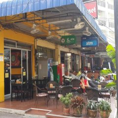 Апартаменты Parinya's Apartment Паттайя гостиничный бар