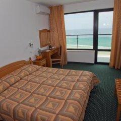 Отель Slavyanski 3* Стандартный семейный номер с двуспальной кроватью фото 8