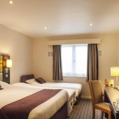 Отель Premier Inn Glasgow Pacific Quay комната для гостей фото 10
