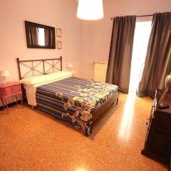 Отель B&B I Portici Di Sottoripa Италия, Генуя - отзывы, цены и фото номеров - забронировать отель B&B I Portici Di Sottoripa онлайн комната для гостей фото 2
