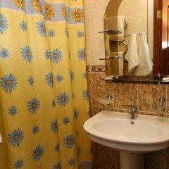 Гостиница Азалия Стандартный номер с 2 отдельными кроватями фото 14