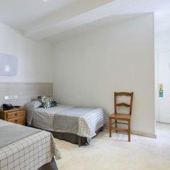 Отель Hostal Castilla II Puerta del Sol Апартаменты с различными типами кроватей фото 7