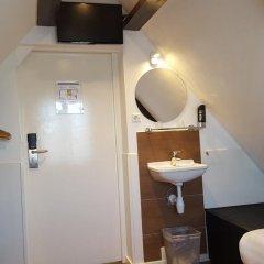 Hotel Old Quarter 2* Стандартный номер с 2 отдельными кроватями (общая ванная комната)