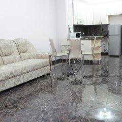 Апартаменты Rent in Yerevan - Apartments on Sakharov Square комната для гостей фото 5