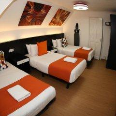 Отель Heathrow Inn Лондон сейф в номере
