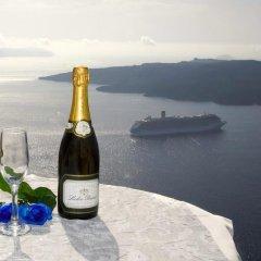 Отель Adamis Majesty Suites Греция, Остров Санторини - отзывы, цены и фото номеров - забронировать отель Adamis Majesty Suites онлайн пляж