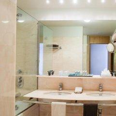 Отель Vidamar Resort Madeira - Half Board Only 5* Улучшенный номер с различными типами кроватей фото 5