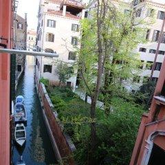 Отель Rialto House Италия, Венеция - отзывы, цены и фото номеров - забронировать отель Rialto House онлайн балкон