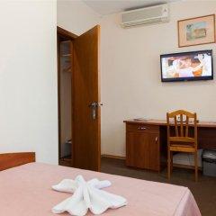Гостиница У фонтана 3* Улучшенный номер двуспальная кровать фото 5