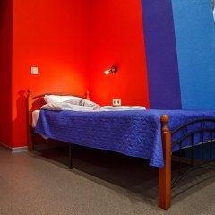 Hostel Racing Paradise сейф в номере