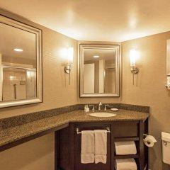 Отель LaGuardia Plaza Hotel США, Нью-Йорк - отзывы, цены и фото номеров - забронировать отель LaGuardia Plaza Hotel онлайн ванная