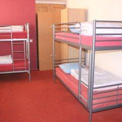 Отель Hostelgate Кровать в общем номере с двухъярусной кроватью