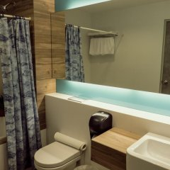 VIP Hotel 2* Улучшенный номер с двуспальной кроватью фото 4