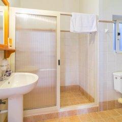 Отель Villa Al Faro Стандартный номер с двуспальной кроватью (общая ванная комната)
