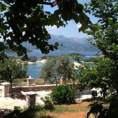 Отель John's Guesthouse Албания, Ксамил - отзывы, цены и фото номеров - забронировать отель John's Guesthouse онлайн приотельная территория фото 2