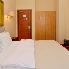 Отель Betsy's 4* Стандартный номер двуспальная кровать фото 7