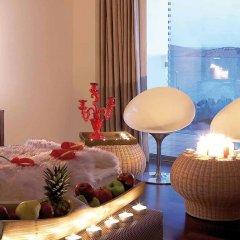 Отель Vouliagmeni Suites в номере фото 2
