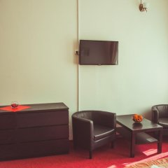 Гостиница Александр 3* Улучшенный номер с 2 отдельными кроватями фото 3