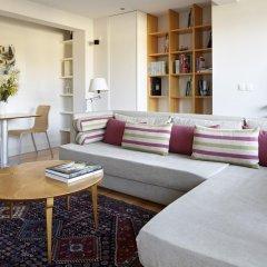 Отель Araba Attic Apartment by FeelFree Rentals Испания, Сан-Себастьян - отзывы, цены и фото номеров - забронировать отель Araba Attic Apartment by FeelFree Rentals онлайн комната для гостей фото 3