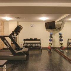 Отель La Quinta Inn & Suites Oshawa фитнесс-зал фото 3