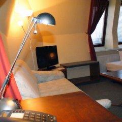 Entrée Hotel Glinde 3* Стандартный номер с 2 отдельными кроватями (общая ванная комната) фото 7