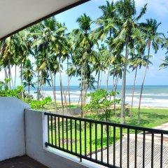 Отель Green Shadows Beach Hotel Шри-Ланка, Ваддува - отзывы, цены и фото номеров - забронировать отель Green Shadows Beach Hotel онлайн пляж фото 2